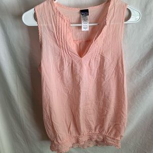 Patagonia sleeveless blouse.